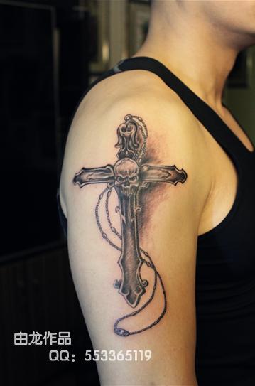 由龙作品手臂十字架纹身