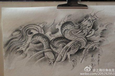 腰部龙纹身手稿